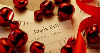 10 bản nhạc Giáng sinh vui nhộn mà bạn nhất định phải nghe trong mùa Noel 2019
